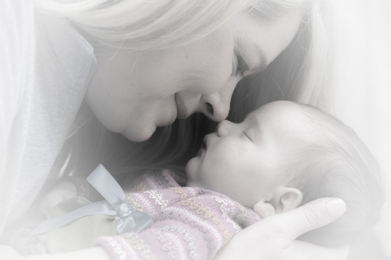 newborn-baby-mother-adorable-sweet-portrait