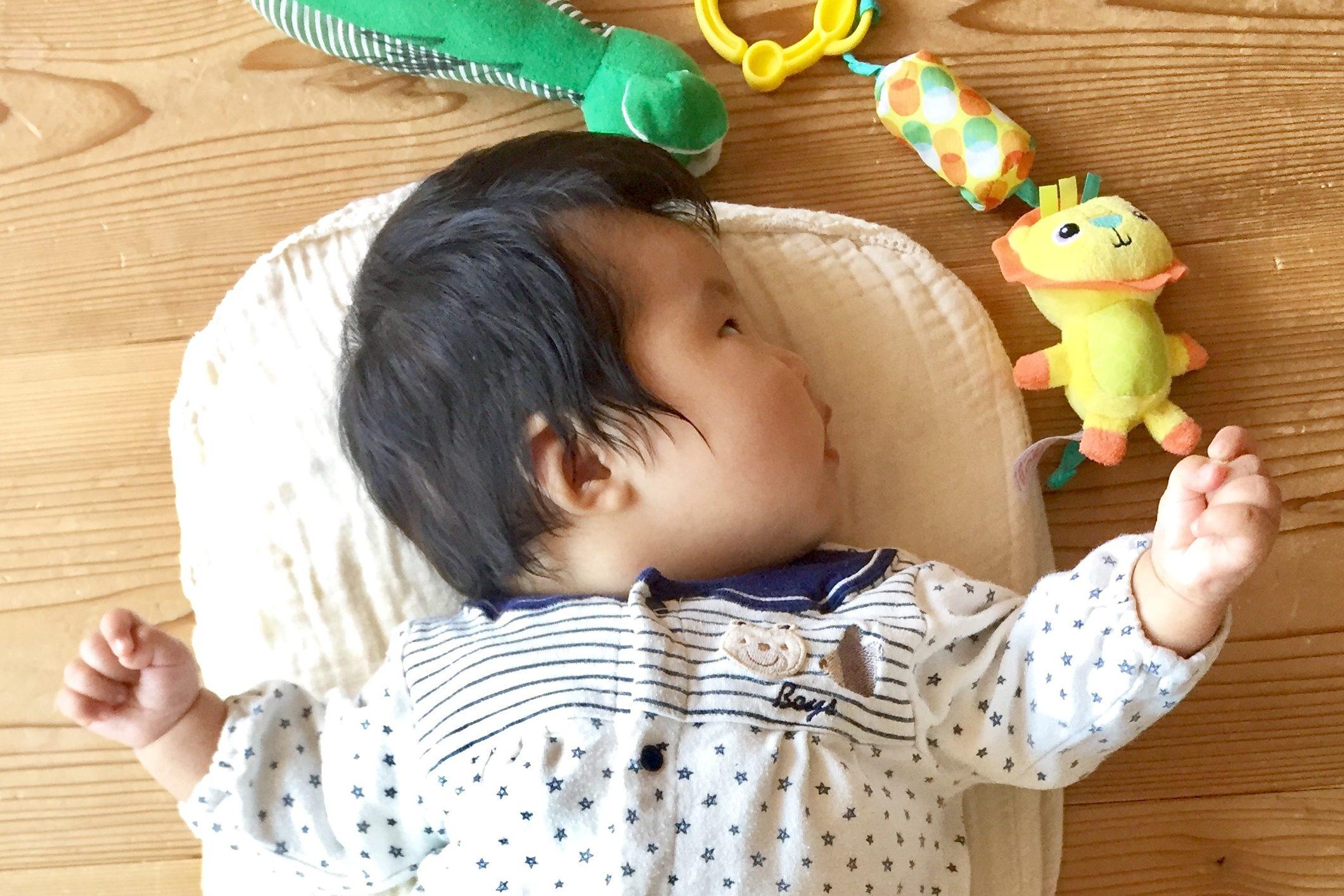 赤ちゃんの寝かしつけ方法は